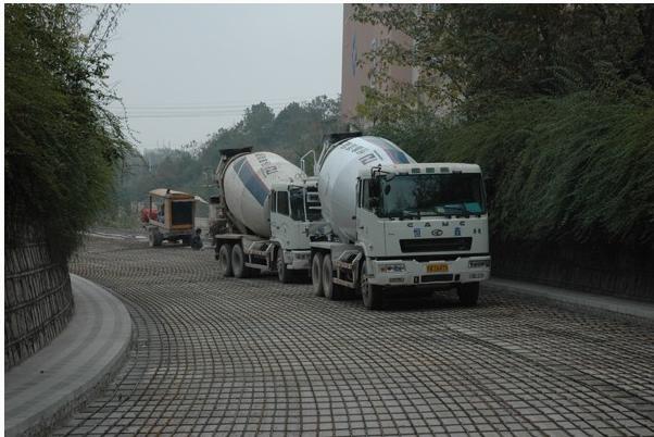 如何保证水泥混凝土路面施工质量