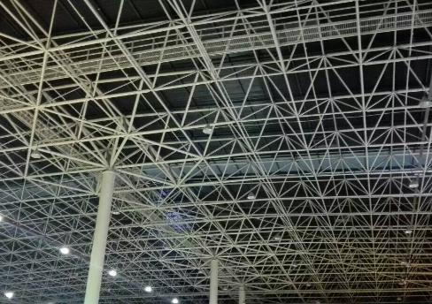 网架结构设计ppt培训讲义(空间桁架位移法、节点构造)