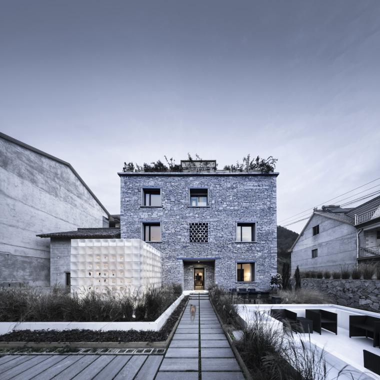 工匠建筑学与数字乡村融合的雷宅