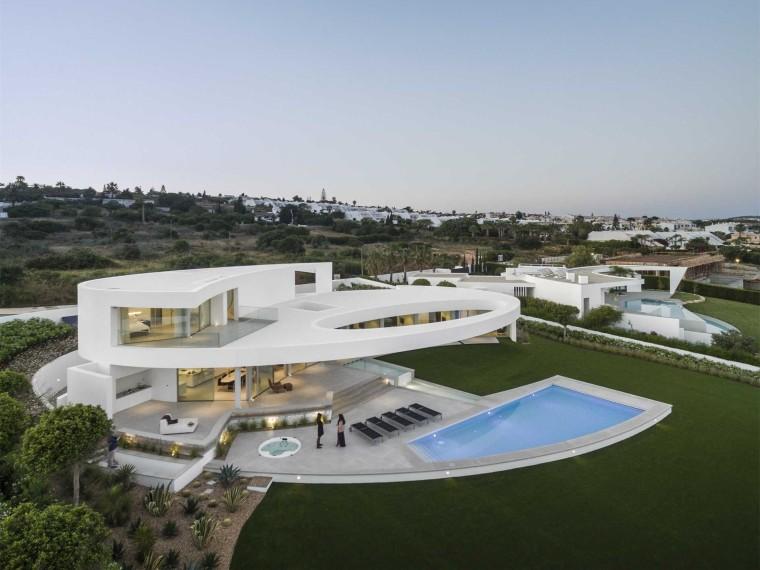 葡萄牙椭圆型住宅