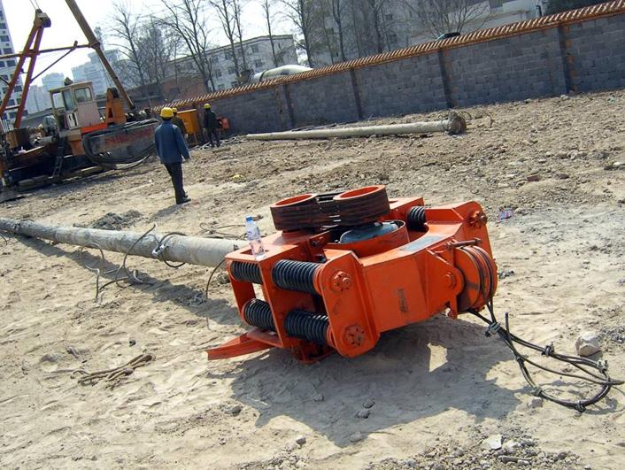 长螺旋钻孔泵送超流态砼后置钢筋笼灌注桩施工工艺