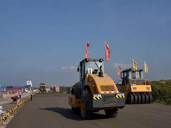 探讨公路工程路基路面压实施工技术