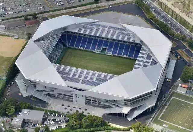 装配式建筑的优势!看看大阪钢巴足球场的建造