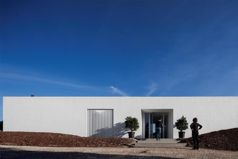 葡萄牙雕塑艺术般写意的住宅-1551071390876464