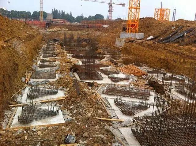 桩承台施工的工艺流程、基坑开挖、钢筋绑扎等技术问题_5