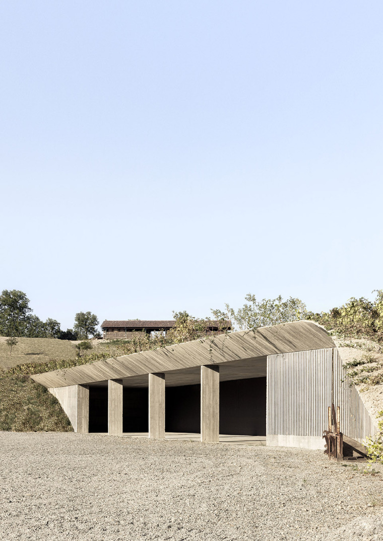 意大利农业机械仓库-3