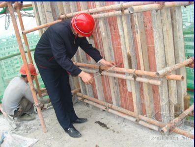 提高短肢剪力墙模板安装合格率QC成果