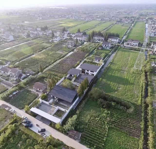 这个建在农村的房子,隐于田园,寄情山水