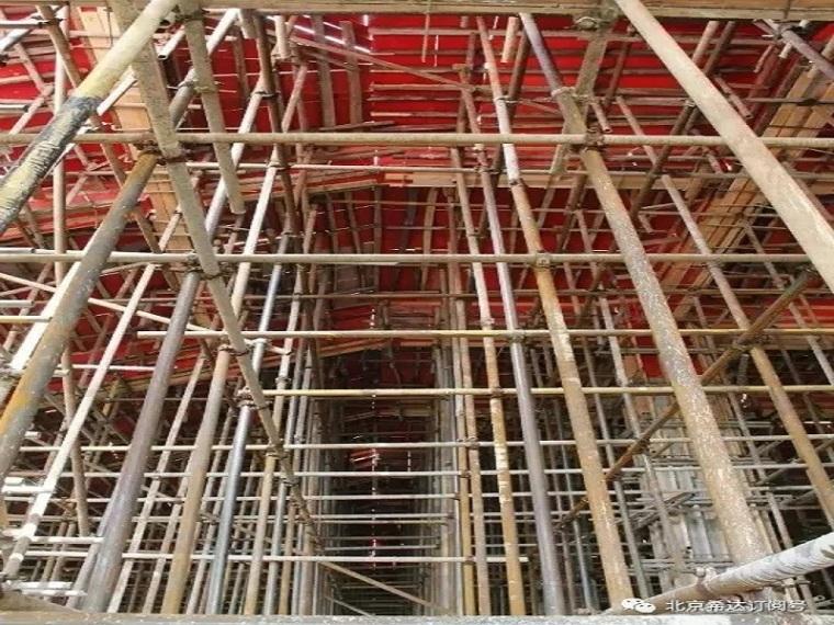 建筑施工现场安全隐患图片