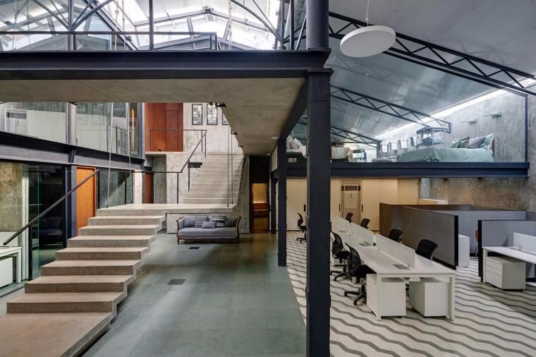仓库改造后的办公室——悬浮于建筑中心的混凝土楼梯-1522677801778104.jpg