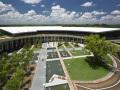 停泊于密歇根胡畔的白色邮轮:西北大学瑞安-沃尔特体育中心 / 美