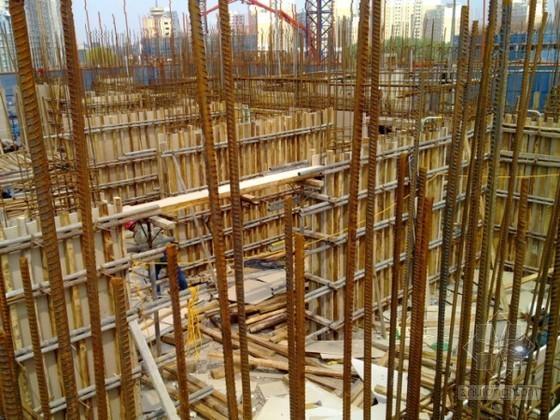 [山东]剪力墙结构住宅组合式钢模板、木模板施工方案(多图)