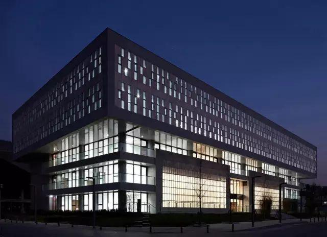 那些优秀的大学现代建筑!