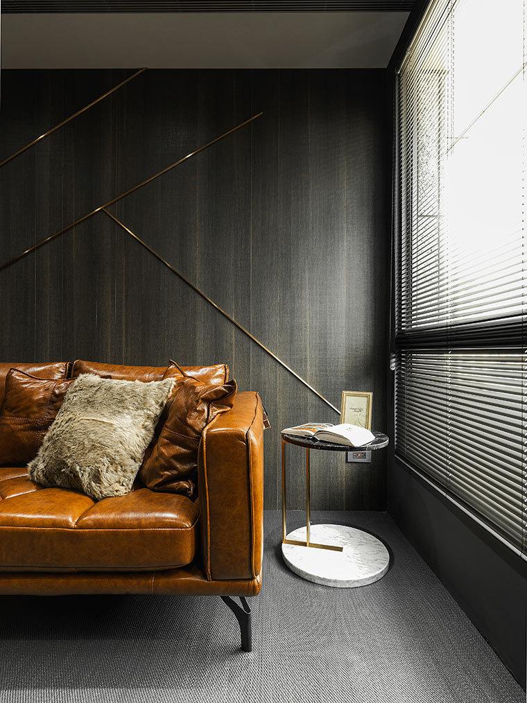 运用LED光箱组成的办公室室内实景图 (7)