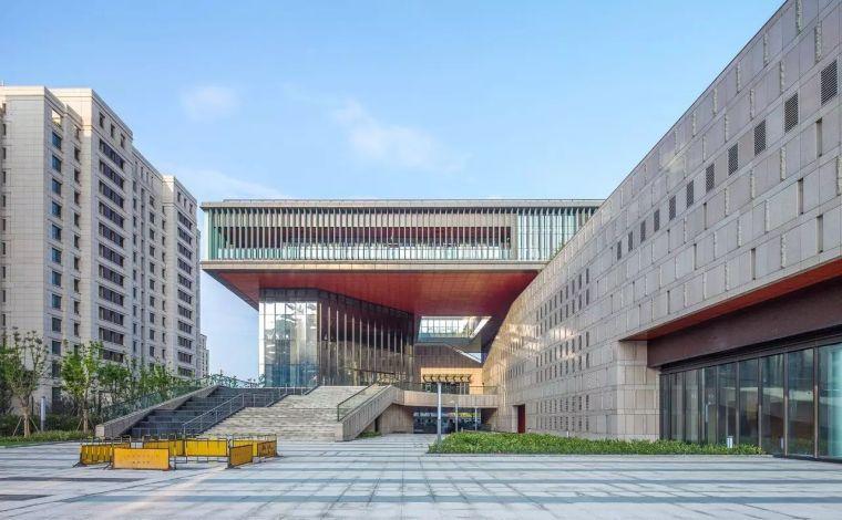 上海外高桥文化艺术中心