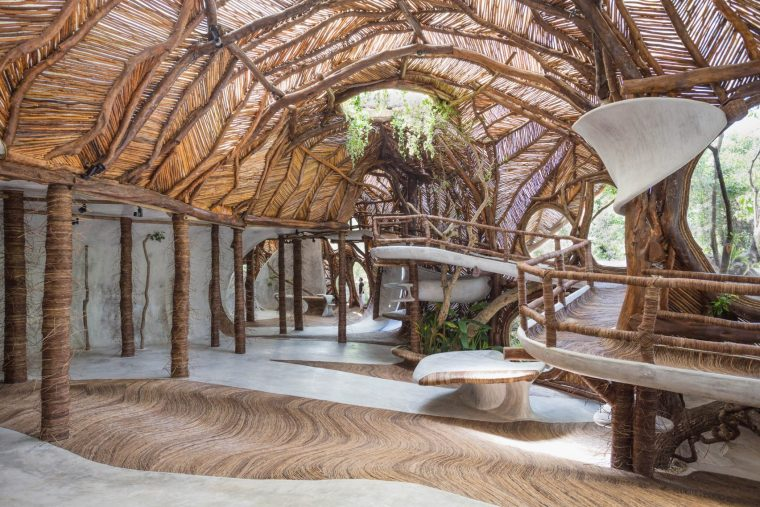 水泥和木材结合出奇妙的空间结构 — 图卢姆树屋美术馆