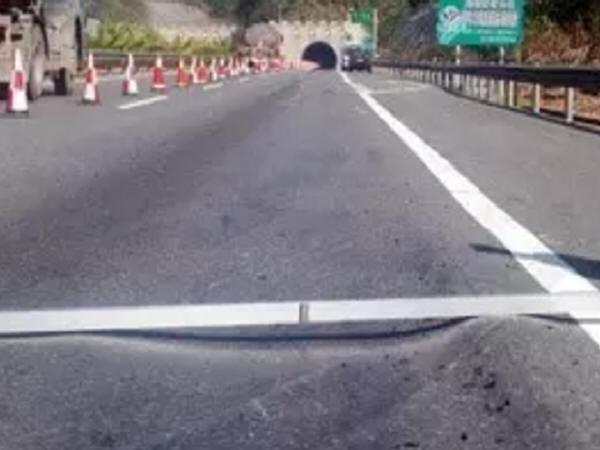 高速公路沥青路面车辙问题综合研究