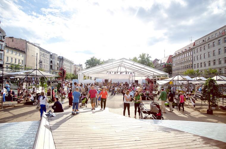 波兹南Wolności广场临时公共空间