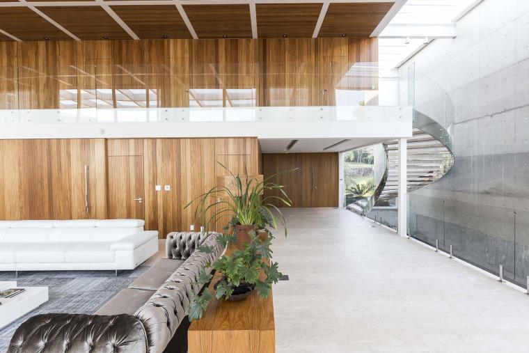 结构与空间融合的JardimdoSol住宅-28