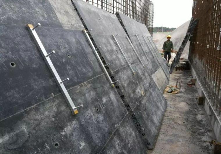 地下综合管廊槽式预埋件安装_2