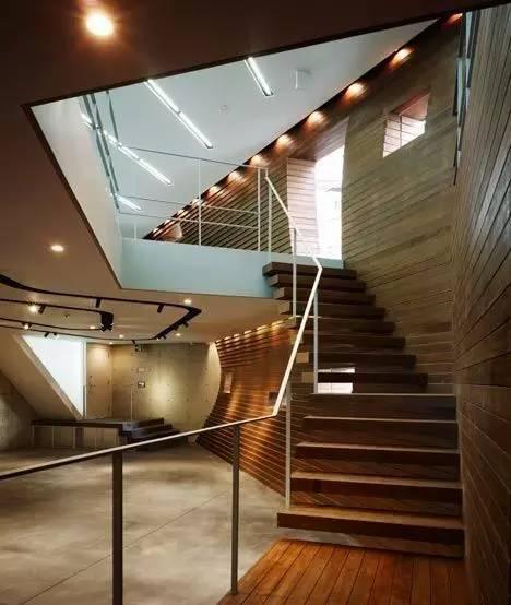 创意还是奇葩?来看看日本这些让人眼前一亮的建筑!_22