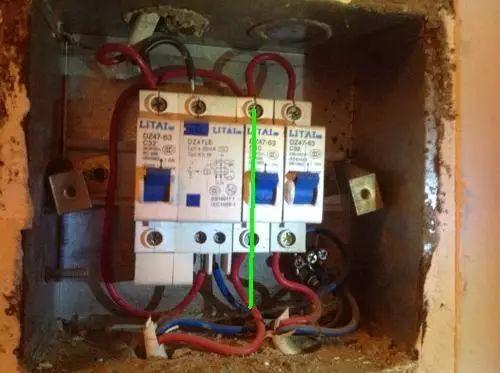家里电路老是跳闸怎么办?电工师傅告诉你怎么轻松解决!