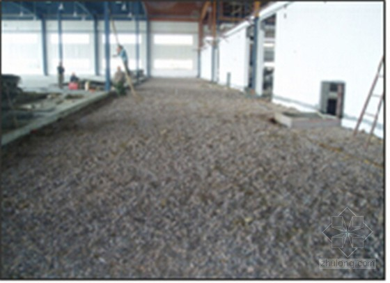 [QC成果]降低大面积钢纤维耐磨混凝土地坪施工不合格率