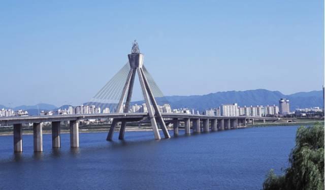 浅析公路桥梁桩基础局部缺陷的处理方法