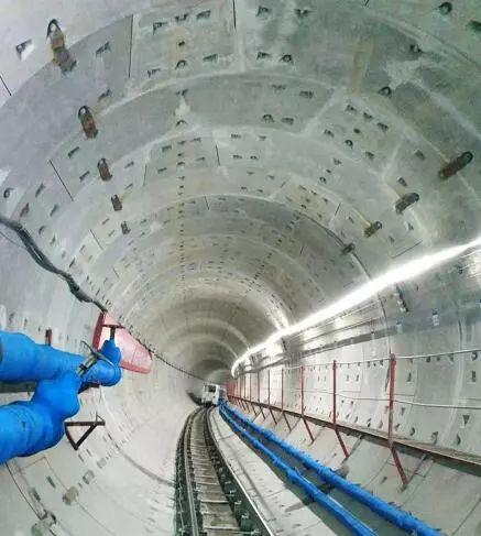 哈尔滨地铁2号线过江隧道全线贯通!_2