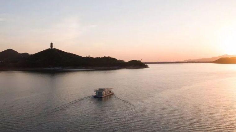超美的水上筏式酒店设计,美出了新高度_25