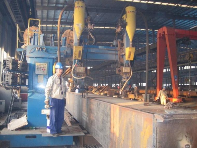 工厂箱体纵缝埋弧焊焊接实景