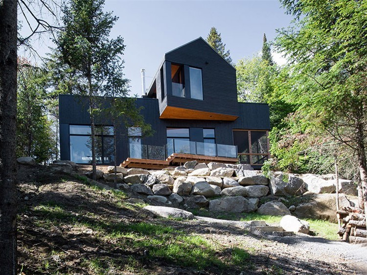 加拿大黑色小木屋