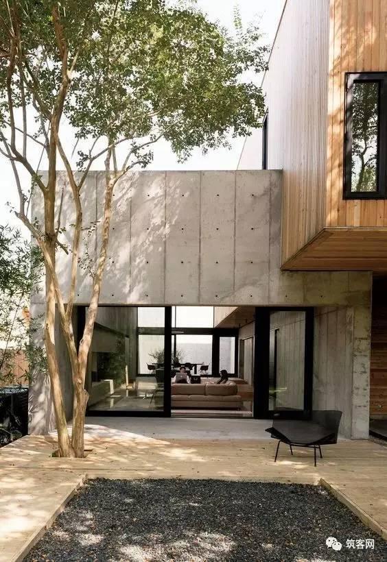 40款·简洁的现代别墅设计_35