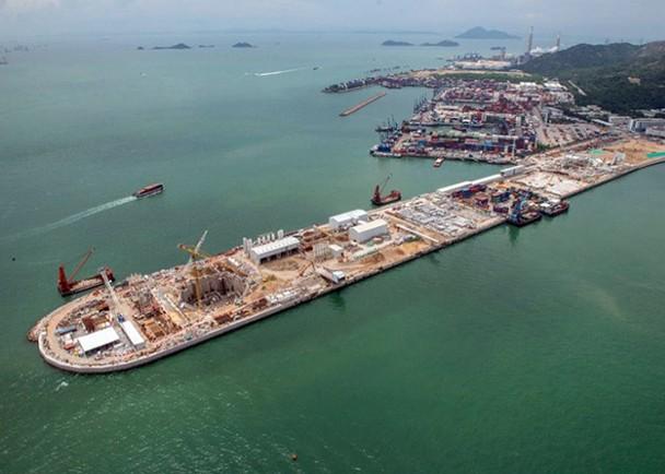 港珠澳大桥香港段海底隧道破裂发生漏水事故及时抢修