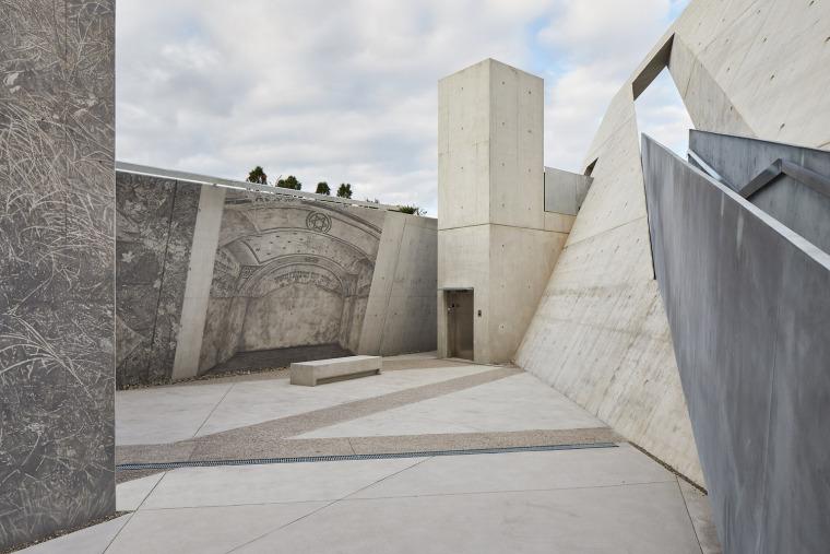 加拿大国家大屠杀纪念碑-9