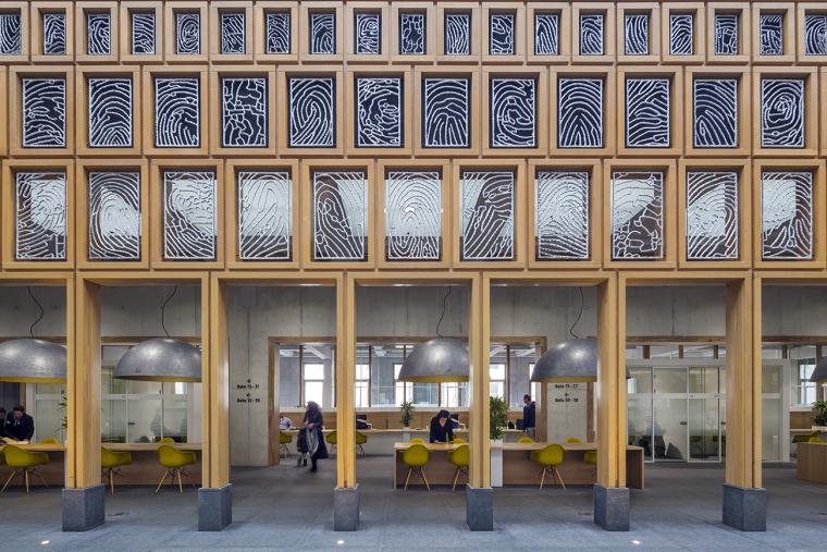 全新代芬特尔市综合体建筑内部实景图 (11)