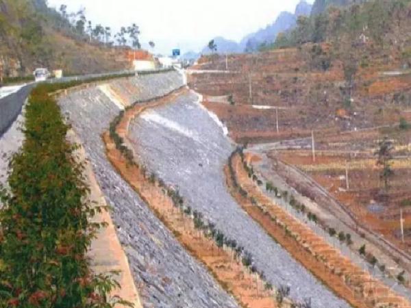 高速公路高边坡施工与安全专项施工方案!_1