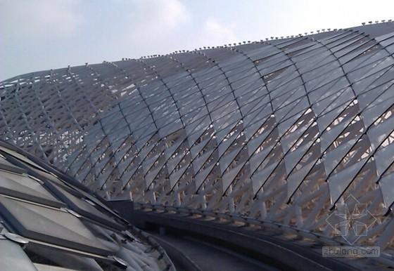 异形空间曲面复杂幕墙三维扫描下料施工工法