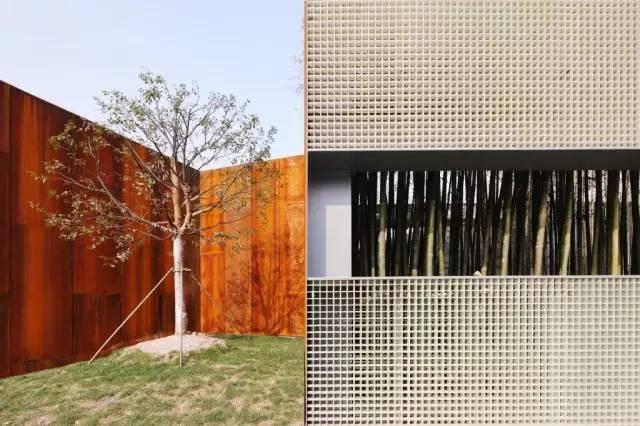 看建筑大师是如何使用锈钢板的?_32