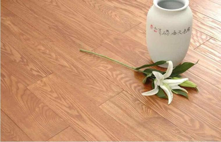 如何根据色差来判断实木地板质量好坏