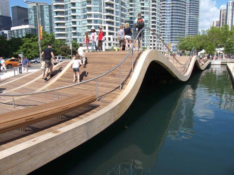 加拿大中央海滨波浪桥-fcf84f68