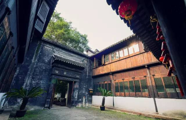 中国最适合私奔的10个小镇_5