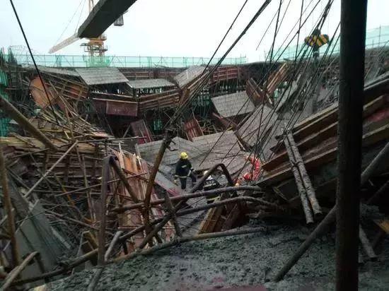 突发 | 上海一工地发生模架坍塌事故,1死9伤!事故频发原因何在