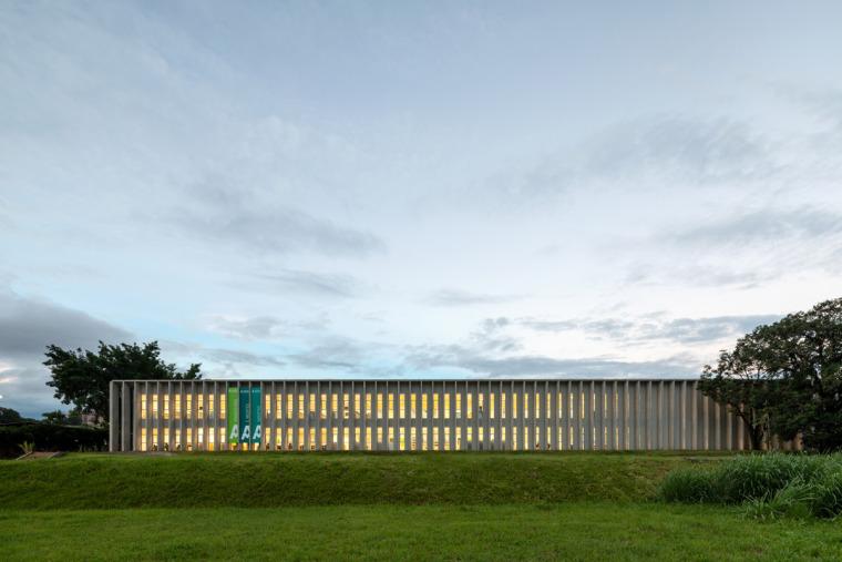 巴西安汉比莫隆比大学新建筑-8