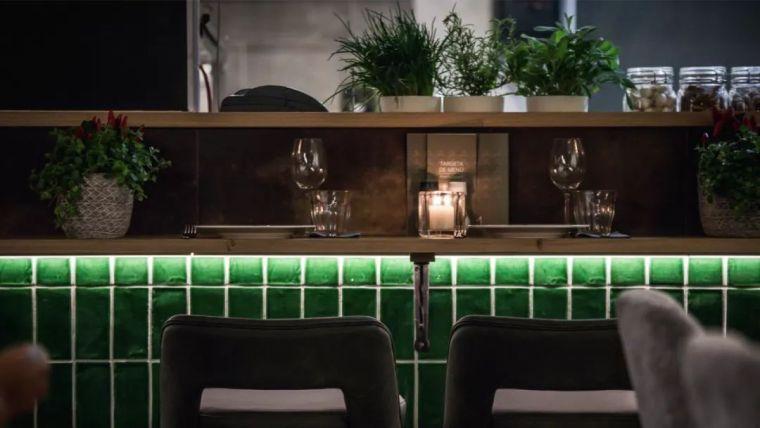 完备的西餐厅设计方案主要包括哪些方面呢?_16