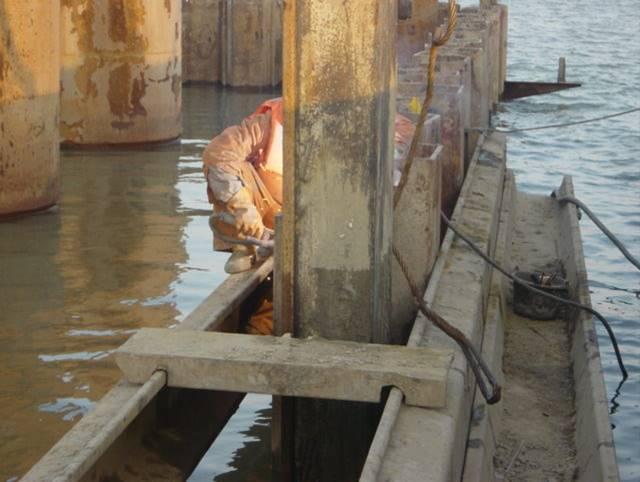 黄河特大桥主桥深水基础钢板桩围堰施工技术