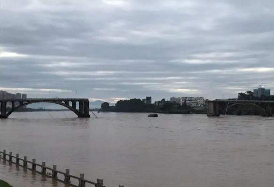 广东河源紫金桥垮塌!广东河源暴雨广东河源水灾_2