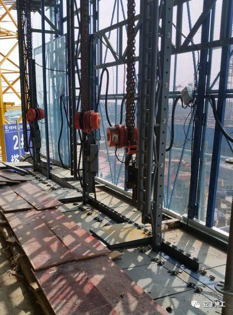 一种新型全钢式升降脚手架,在这里施工就像在室内施工一样_66