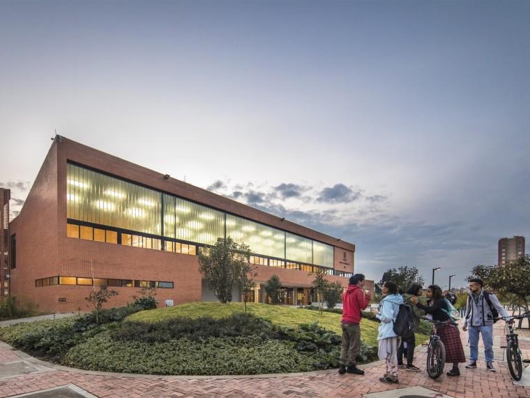 哥伦比亚庭院学校