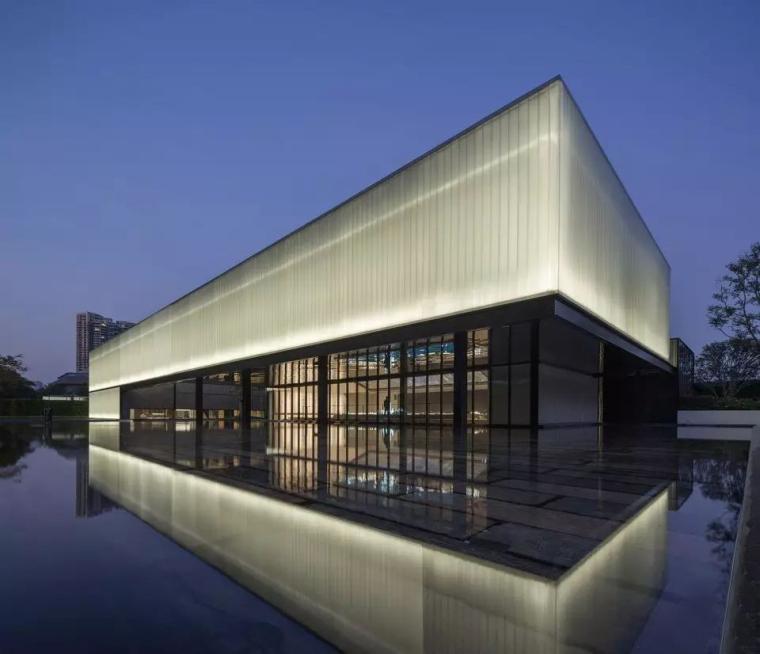 u型玻璃案例资料下载-深圳湾超级总部基地城市展厅